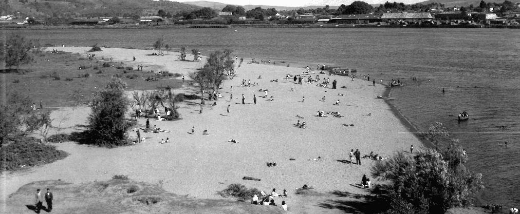 Vista playa en Las Animas por 1950