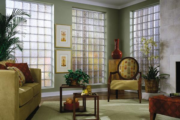 Teia design tijolo de vidro - Glass block windows in living room ...