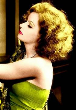 Greta, sensualísima.....! qué melena !
