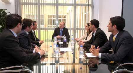 Font de Mora destaca que el éxito del modelo de centro inteligente suscita el interés de las empresas tecnológicas