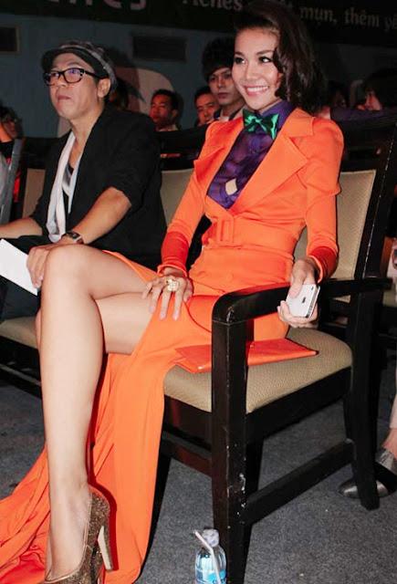 Những mẫu váy xẻ cao của Thanh Hằng thực sự có sức ảnh hưởng lớn đến phong cách thảm đỏ của mỹ nhân showbiz Việt trong một khoảng thời gian dài.