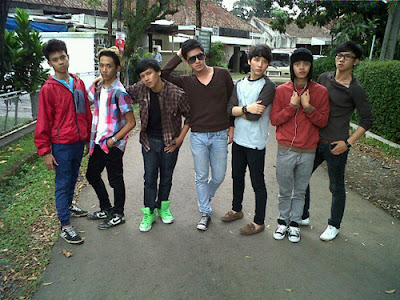 photo - profil -  biografi personel SMASH Lengkap