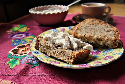 94. Pasta kanapkowa z orzechów włoskich