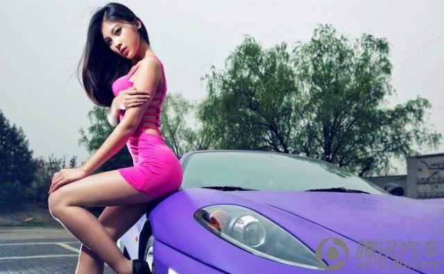 красивая китаянка и автомобиль