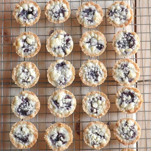 Mini Küchenzeilen food pusher mini blackberry kuchen
