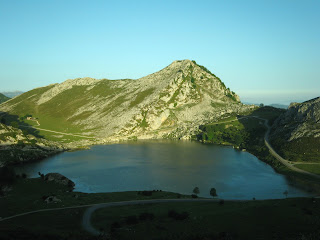 Lago Enol en los Lagos de Covadonga