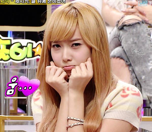 A nous les petites coréennes ! - Page 5 SNSD-Jessica-Cute-Sad-Face-Cut
