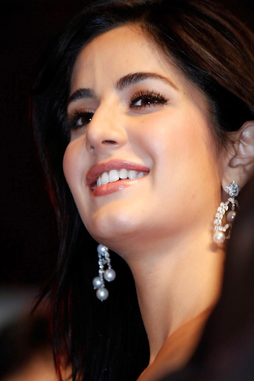 Katrina Kaif hd cute at Auto Car India Awards 2009