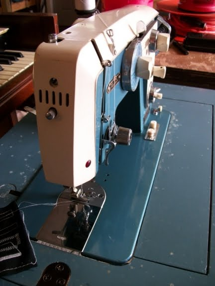Perfect Stitch August 40 Extraordinary White Sewing Machine Model 1265