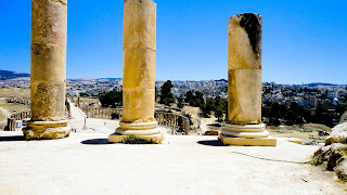 The city of Jerash behind the columns