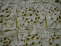 Lacy Table scarf