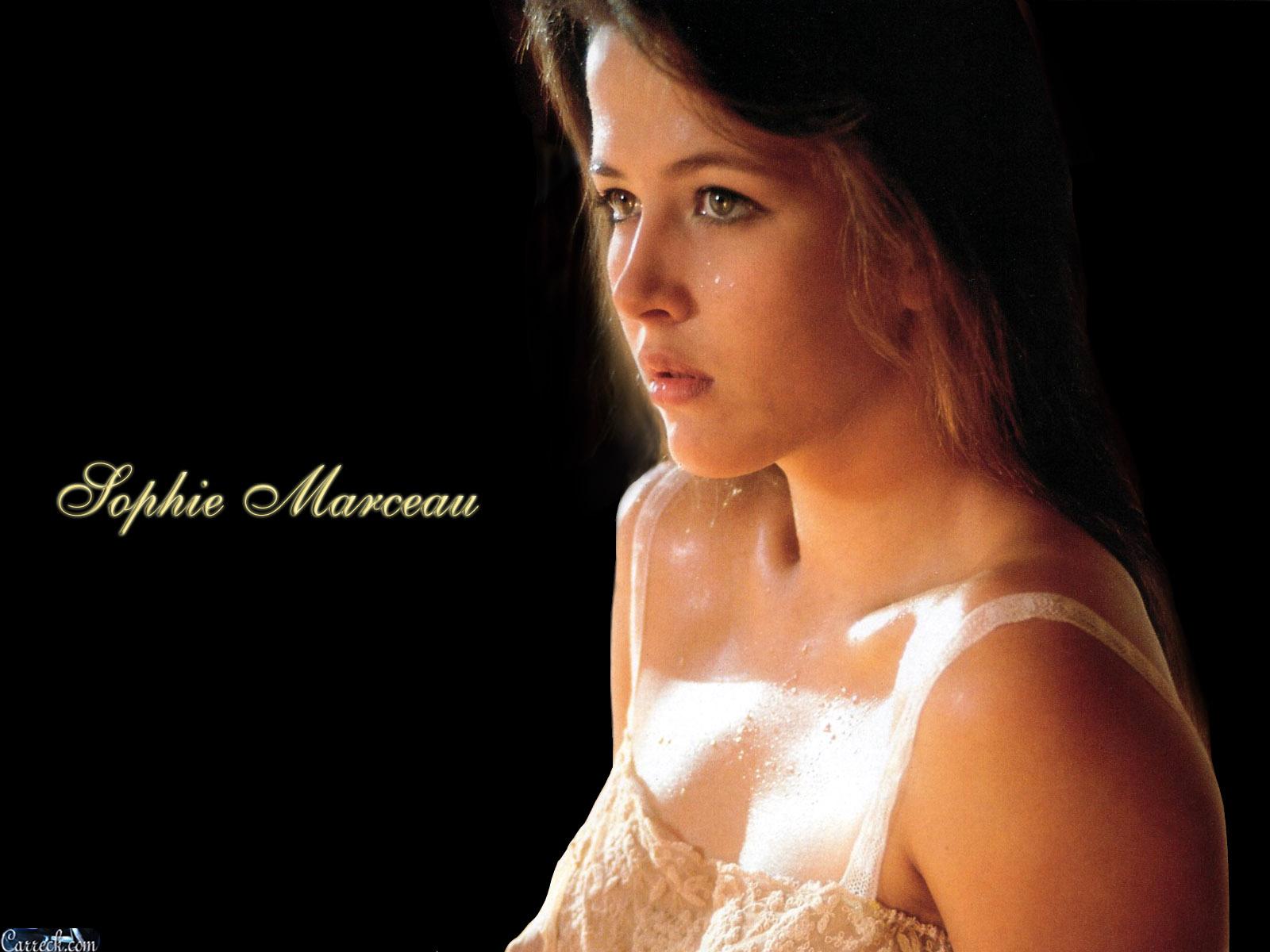 http://4.bp.blogspot.com/-VSrMDKy3YiU/USZoDCOcETI/AAAAAAAAFmg/3hXP0YdM7BQ/s1600/Sophie+Marceau+6.jpg