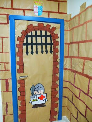 La ventana de mi clase decoraci n de la puerta de la clase for Puertas decoradas educacion infantil