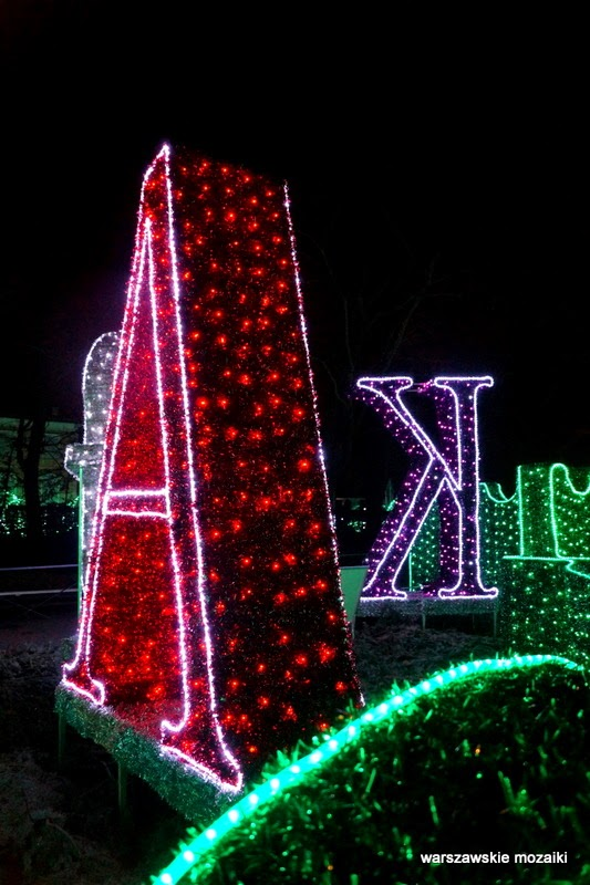 iluminacje dekoracje świąteczne Alicja z Krainy Czarów Wilanów Warszawa warszawskie iluminacje dekoracje świąteczne