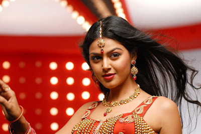 monal gajjar from sudigadu latest photos
