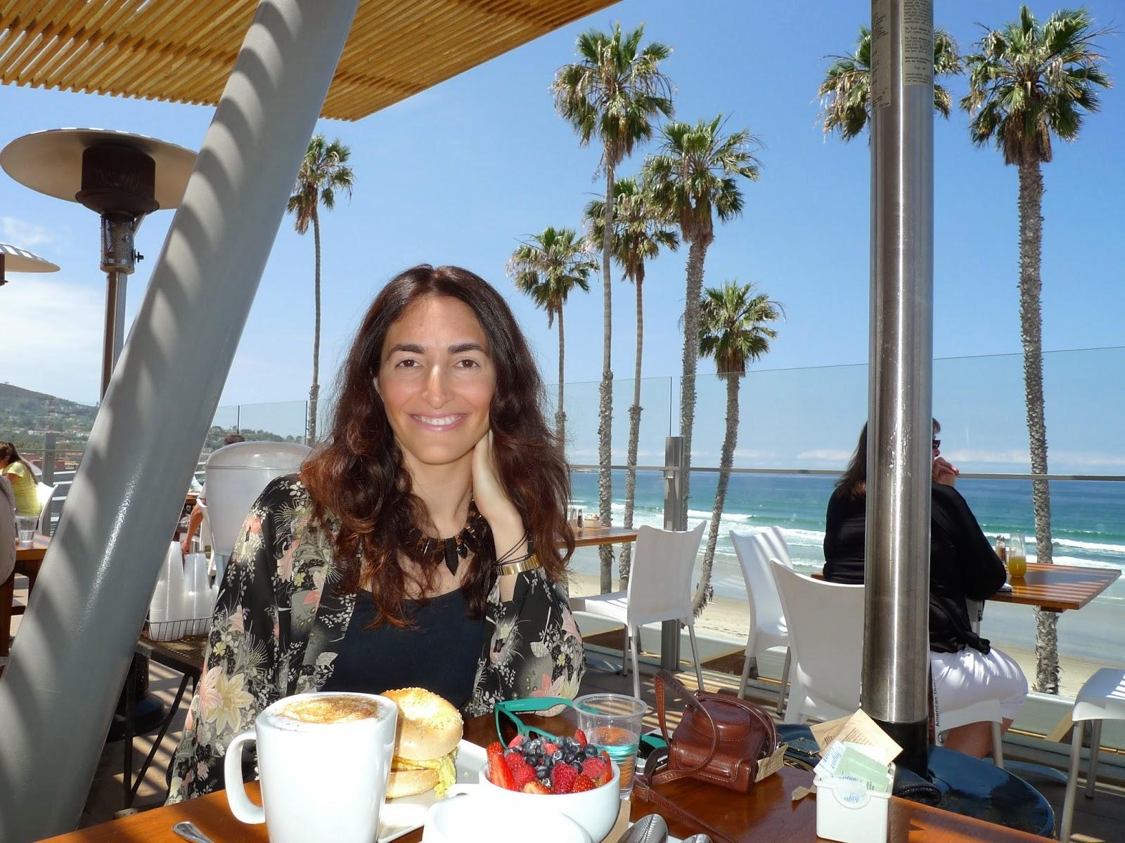 Desayuno en el Caroline's, en San Diego