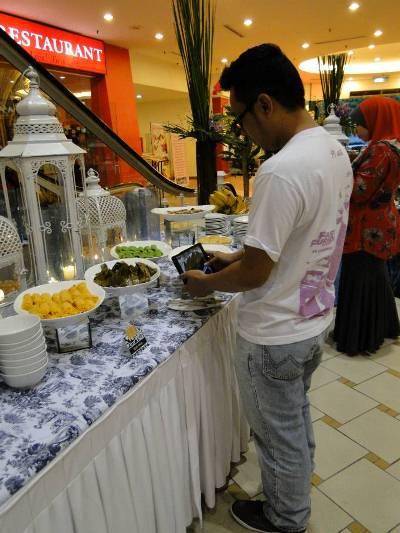berbuka puasa di bulan ramadhan, majlis iftar, iftar di bulan ramadhan, majlis berbuka puasa