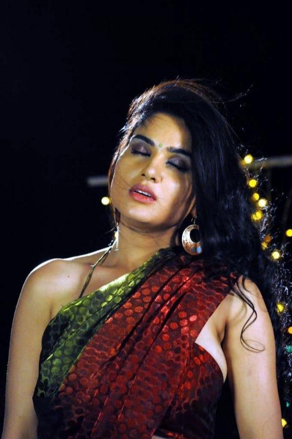 KAVYA SINGH LATEST   indian filmy actress