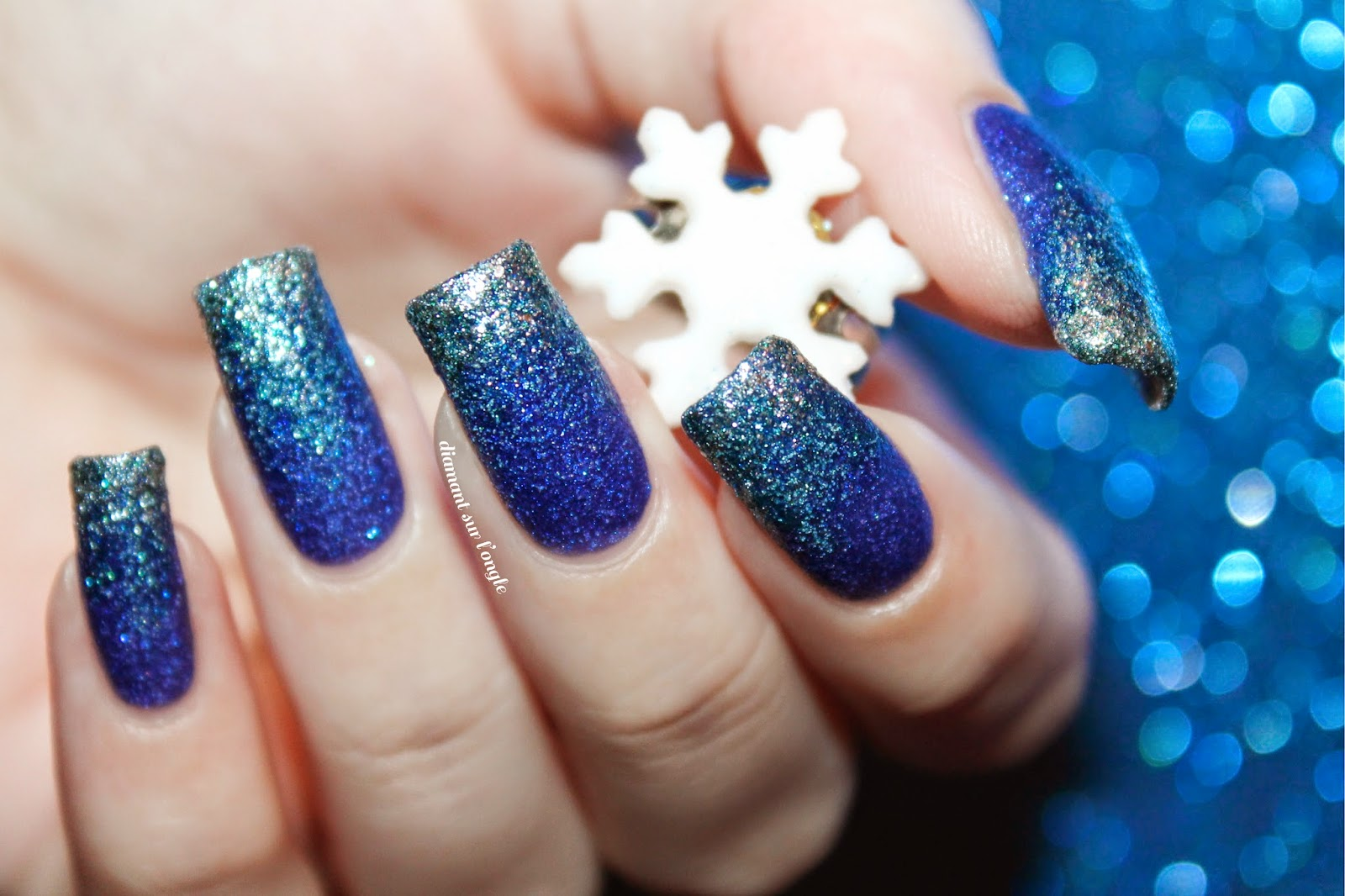 Frozen // Snow Queen blue gradient Nail Art
