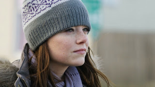 Emma Stone Natural Looks with an Berret HD Wallpaper