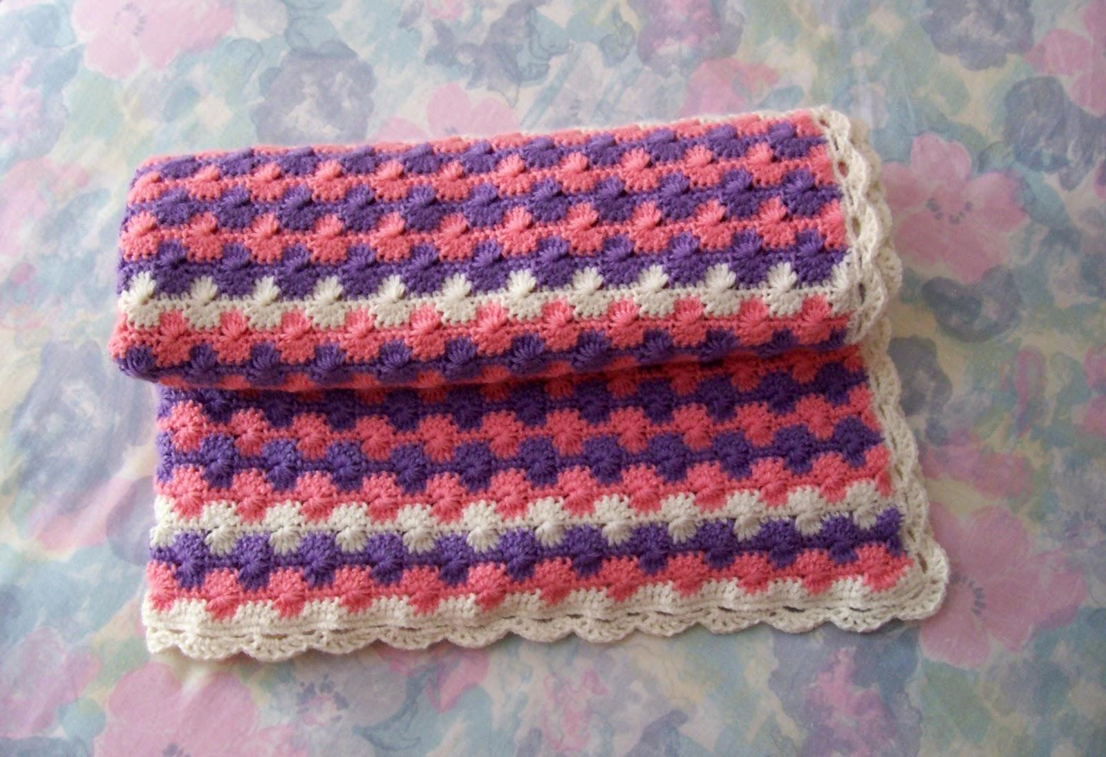 Manta y Patucos de crochet - Tramas de Colores