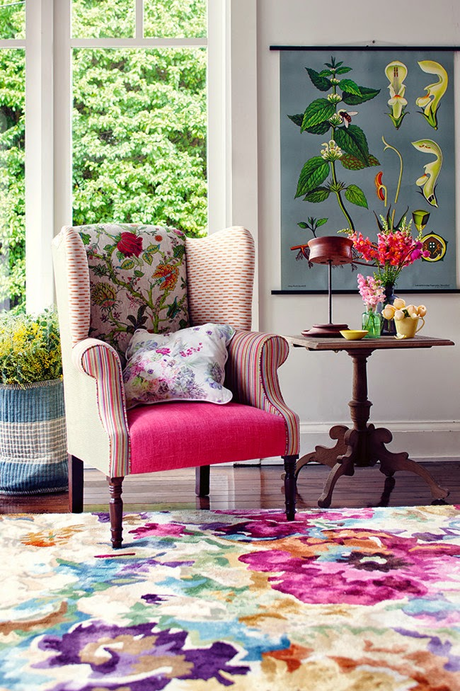 eye for design decorating with bold floral rugs