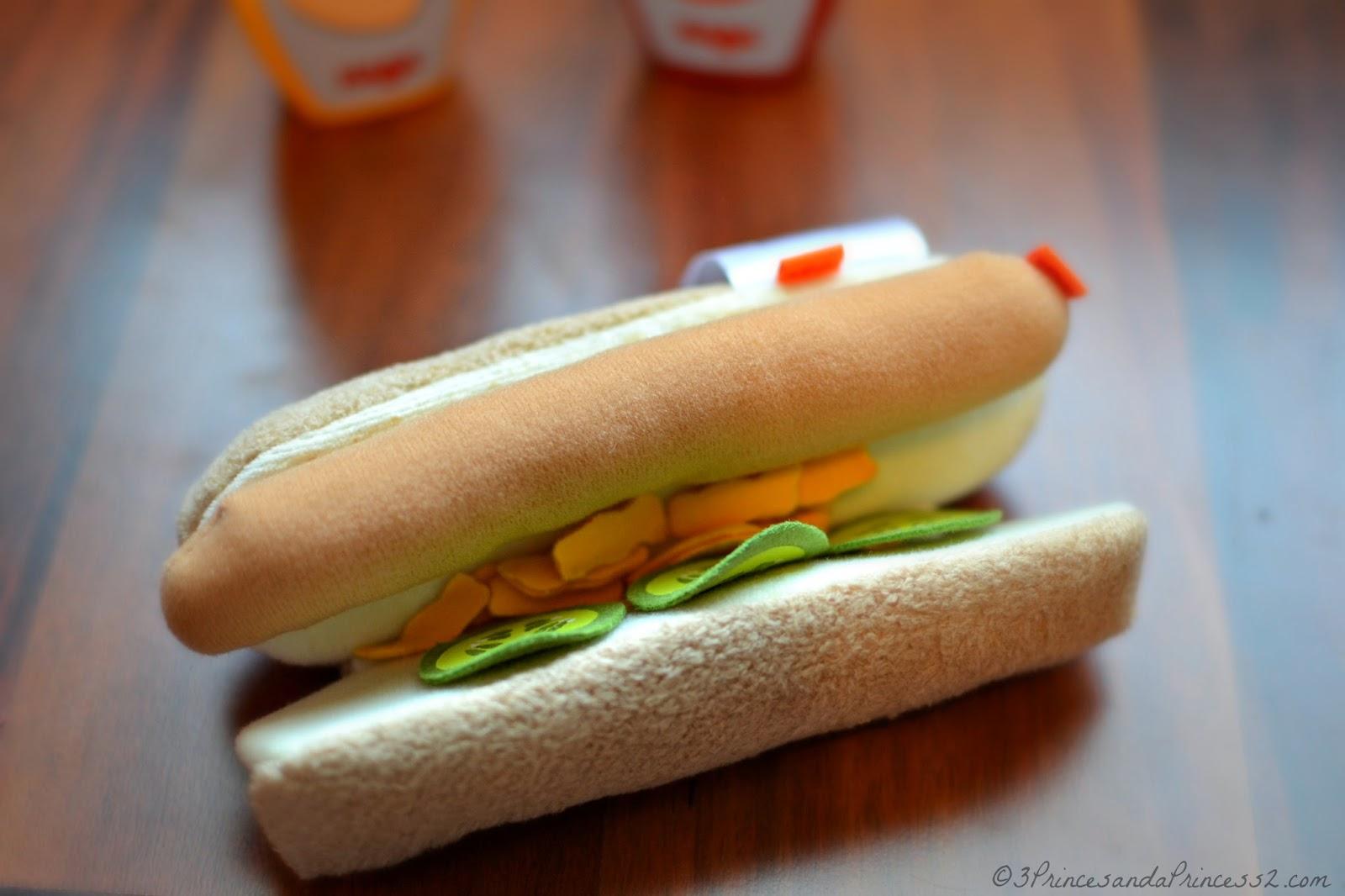 Haba Plush hot dog