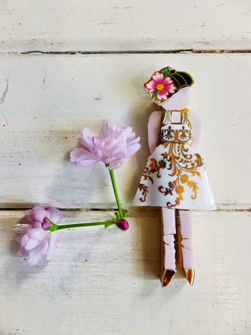 the small acorns peg doll competition via small acorns blog