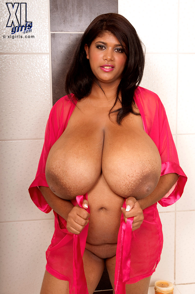 fat black women with big boobs nude
