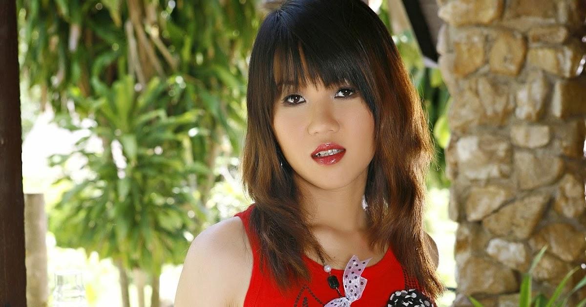 Cô gái Thái xinh đẹp, đáng yêu hết phần của người khác