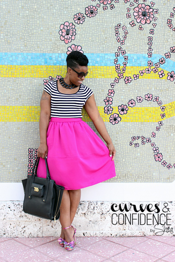 express hot pink midi skirt, how to wear a pink midi skirt, curvy girls wearing a midi skirt