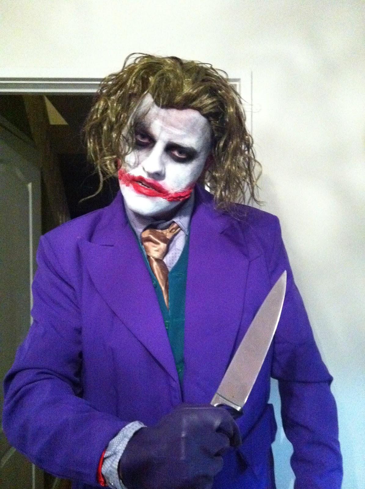 http://4.bp.blogspot.com/-VUBxn1l__o0/TpW0O9VVy8I/AAAAAAAABqI/0szNTfH3PFo/s1600/Joker.jpg