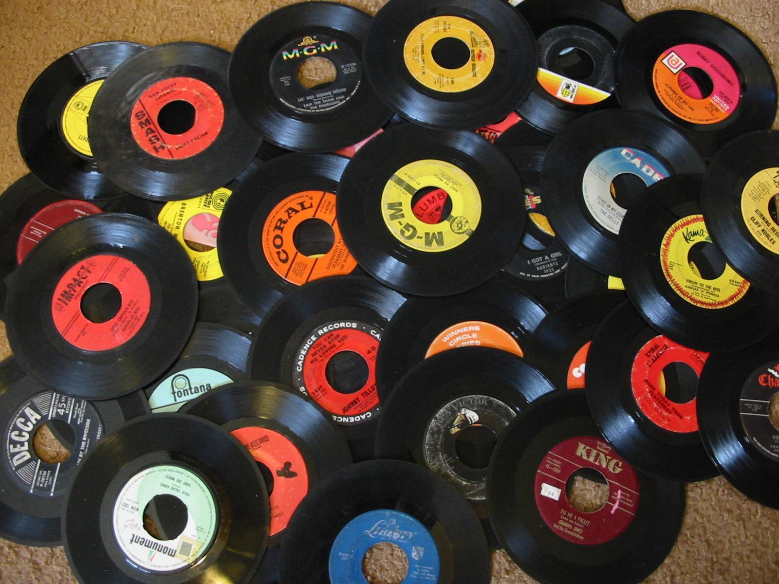 couleur vinyle entretien avec un vinyle le retour du 33 tours. Black Bedroom Furniture Sets. Home Design Ideas
