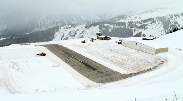 Bandara Courchevel