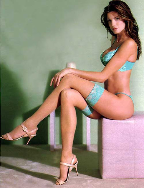 Stephanie-Seymour-Photos-Victorias-Secret