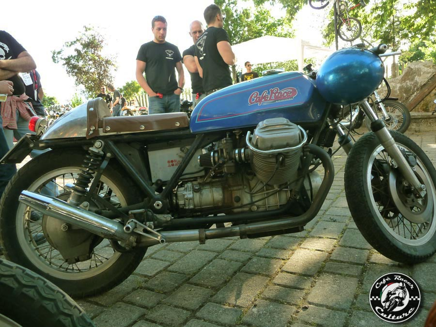 Guzzi... juste l'essentiel des Café Racer - Page 39 South+reunion+2011+%2528203%2529+copia