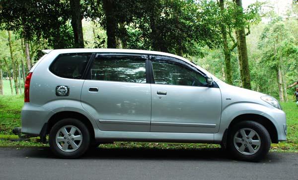Daftar Harga Mobil Toyota Avanza Tahun 2011