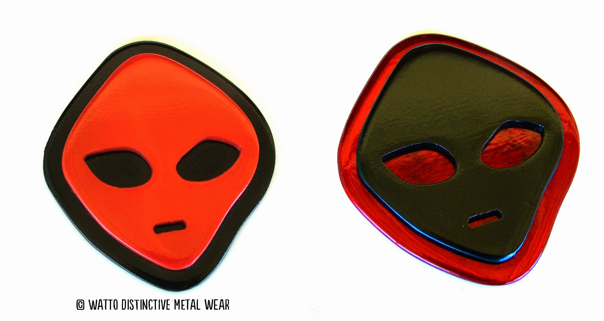 Red and Blacj WATTO Distinctive Metal Wear Alien Art