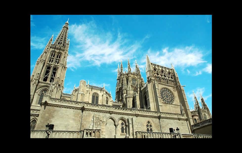 Un recuerdo de historia arquitectura medieval burgos for Arquitectura medieval