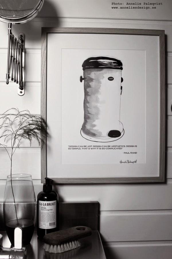 tavlor, tavla, konsttryck, poster, posters, konst, art, artprint, artprints, prints, tavlor till badrummet, badrum, svart och vitt, svartvita, vitt, vita, lilla bruket, grön kvist i vas, panel, svart handfat, vattenkran, rostfri, rostfritt,