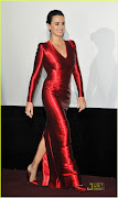 This Armani Privé gown out does all that Penelope Cruz has worn to all red .