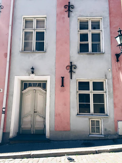 tallinn-oldtown-architecture