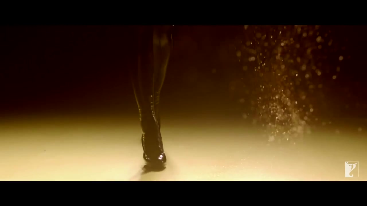 Katrina Kaif Hot Legs in Dhoom 3