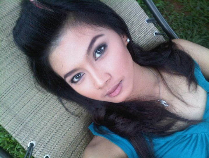 Irena Justine | Flora Nada Cinta
