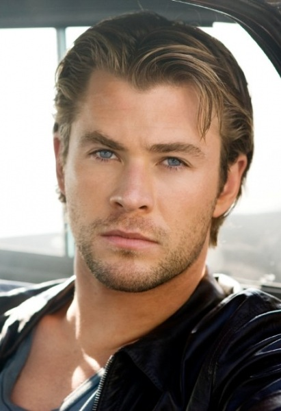 Are Chris Hemsworth Eyes Really Blue Blue eyes. i really want