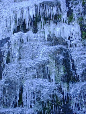 cascada congelada (buenas imagenes)