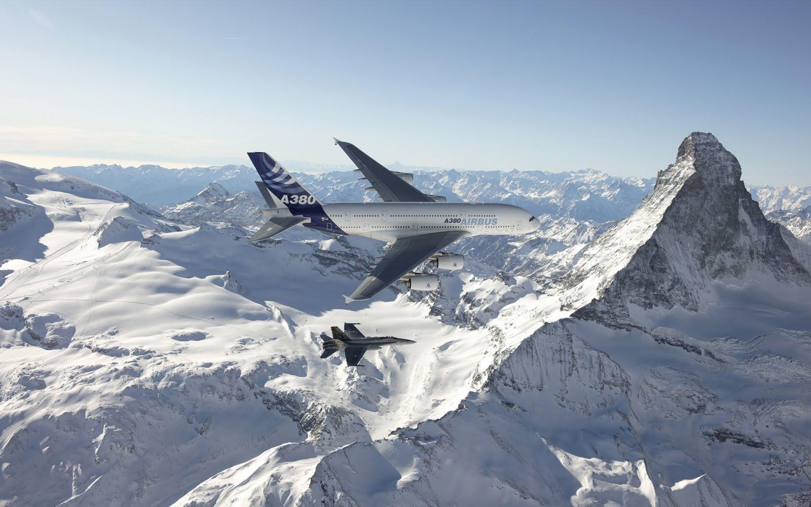 http://4.bp.blogspot.com/-VW5T0_nUsao/TiJPZ7OEWVI/AAAAAAAAinM/jf1OWefIsXQ/s1600/Airbus-A-380.jpg