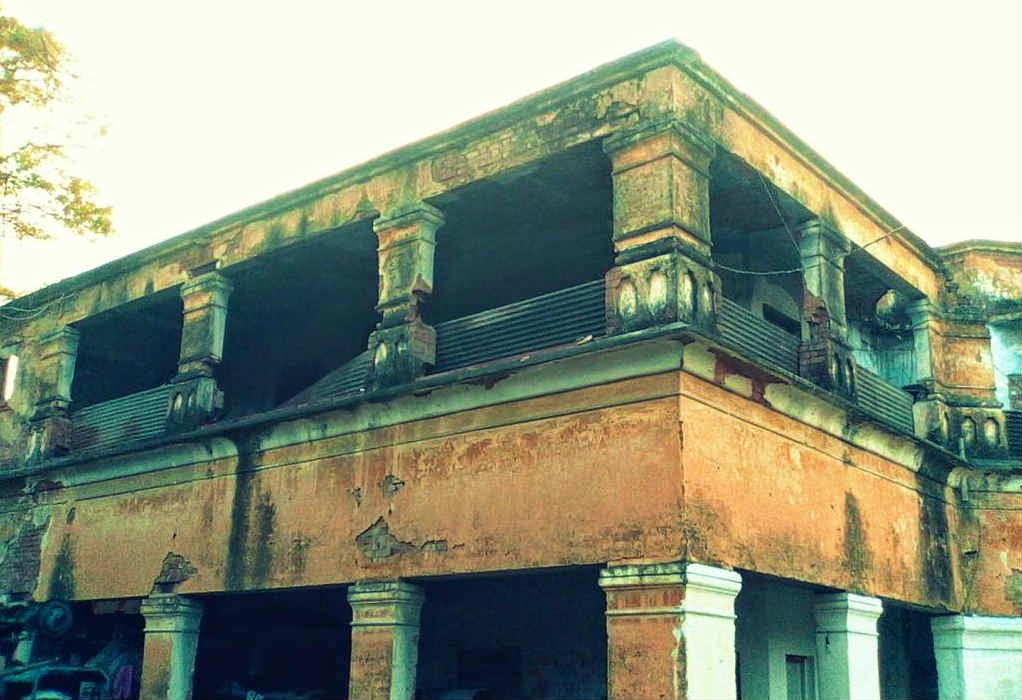 Haunted double storey building in GP Block, Meerut