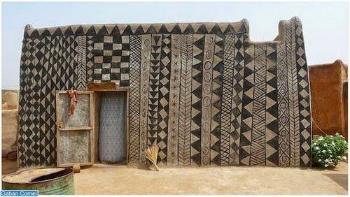 Setiap Rumah di Afrika Mempunyai Karya Seni Yang Mempersonakan