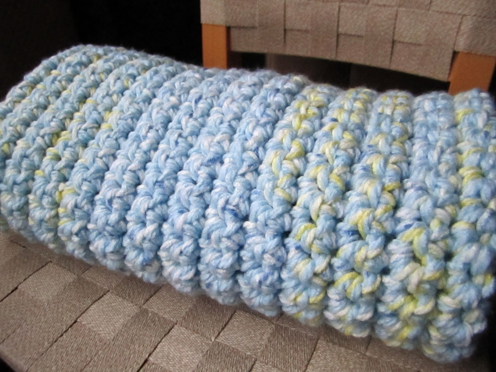 Free Crochet Patterns For Baby Sport Yarn : Inspire Me Grey: Two Easy Crochet Baby Blankets